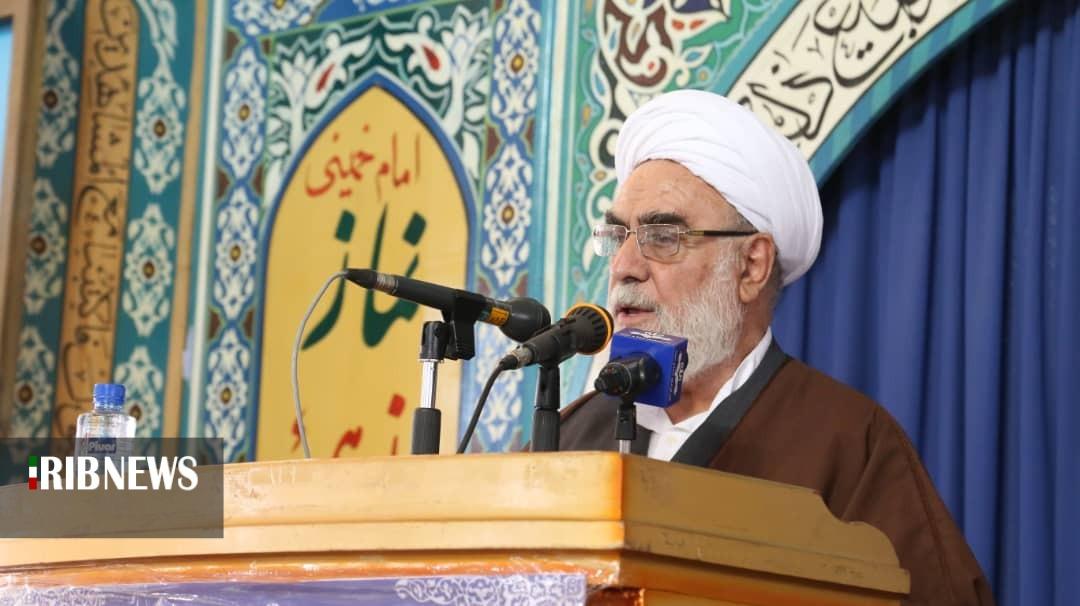 اهداء حکم انتصاب نماینده ولی فقیه در نماز جمعه یاسوج
