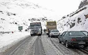 بارش برف در محورهای مواصلاتی استان مرکزی