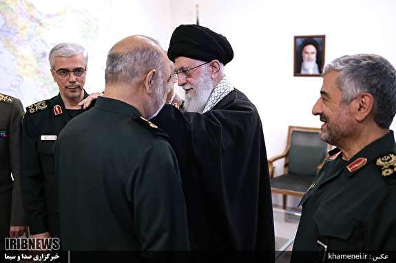 اعطای درجه سرلشکری به فرمانده کل جدید سپاه پاسداران توسط رهبر معظم انقلاب