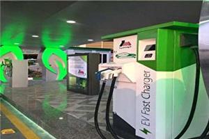 برقی شدن تاکسی و افتتاح نخستین جایگاه شارژ خودروهای برقی