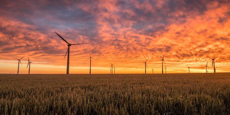 فعالیت بیش از ۱۰۰ نیروگاه تجدیدپذیر مگاواتی در کشور