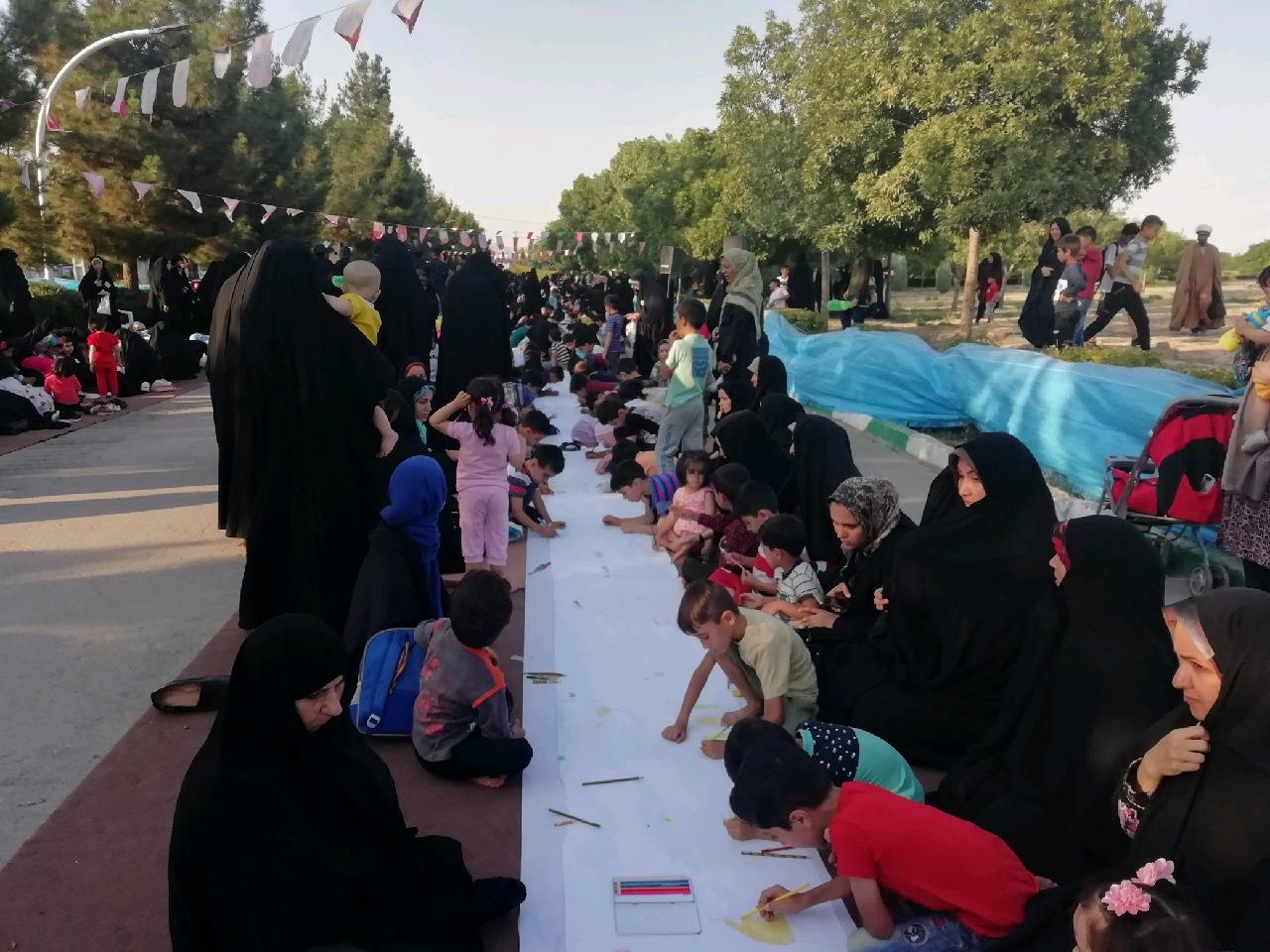 برگزاری مسابقه نقاشی ویژه دهه کرامت در حاشیه شهر مشهد