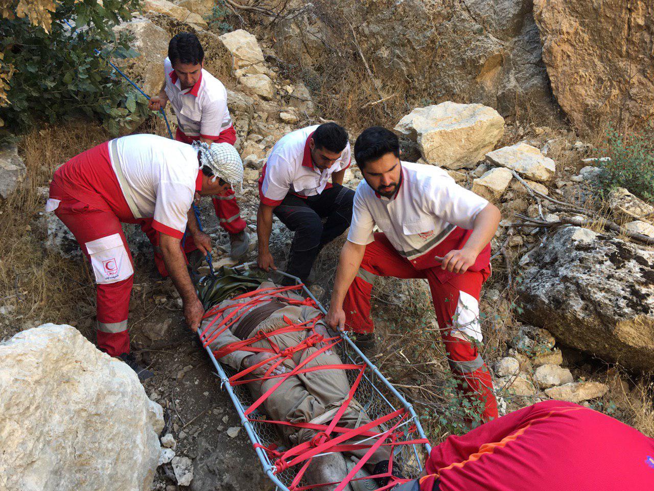 سقوط مردی 52 ساله از ارتفاعات دالاهو