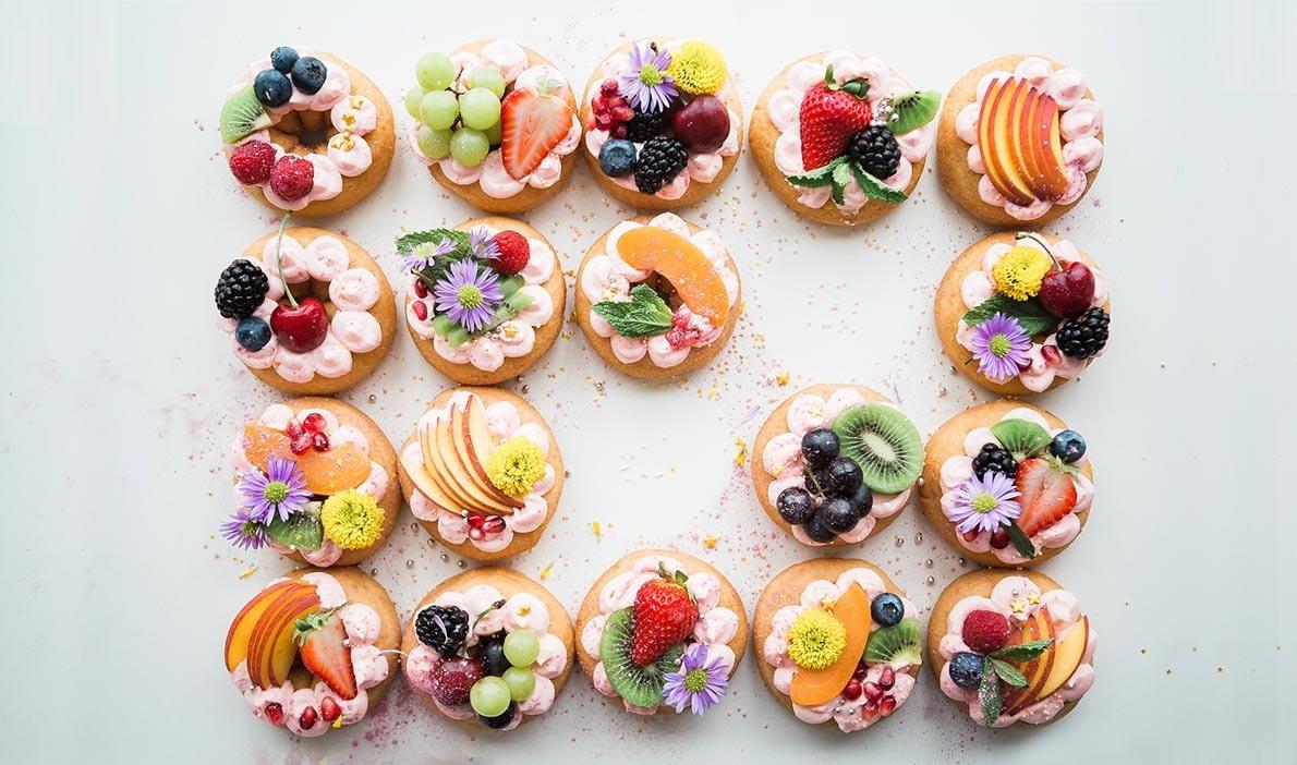 ۱۰ گل خوراکی برای تزیین غذا