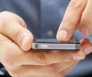 چرا شبها نباید از گوشی هوشمند استفاده کنیم؟
