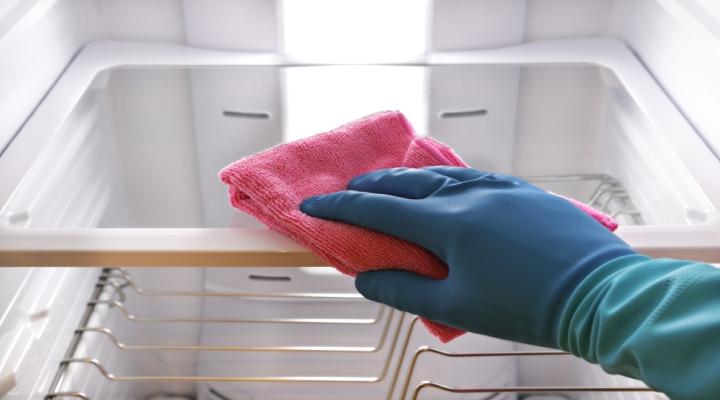 حذف بوی یخچال با کمک تکنولوژی