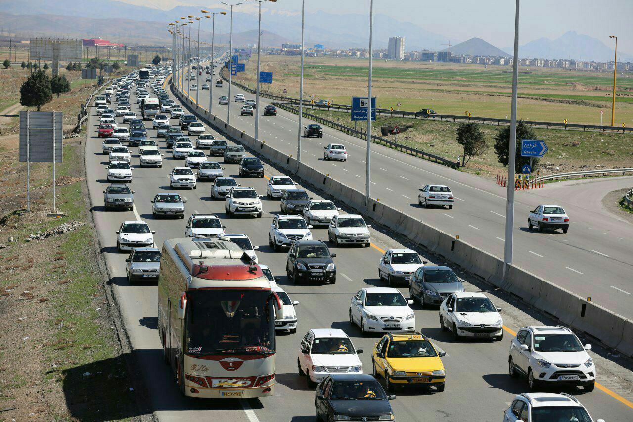 دنده عقب رفتن در بزرگراه چقدر جریمه دارد؟