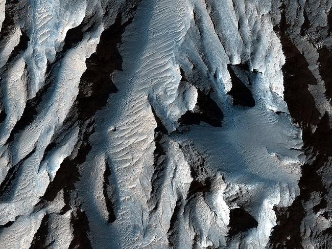 تماشا کنید: بزرگترین دره منظومه شمسی در مریخ