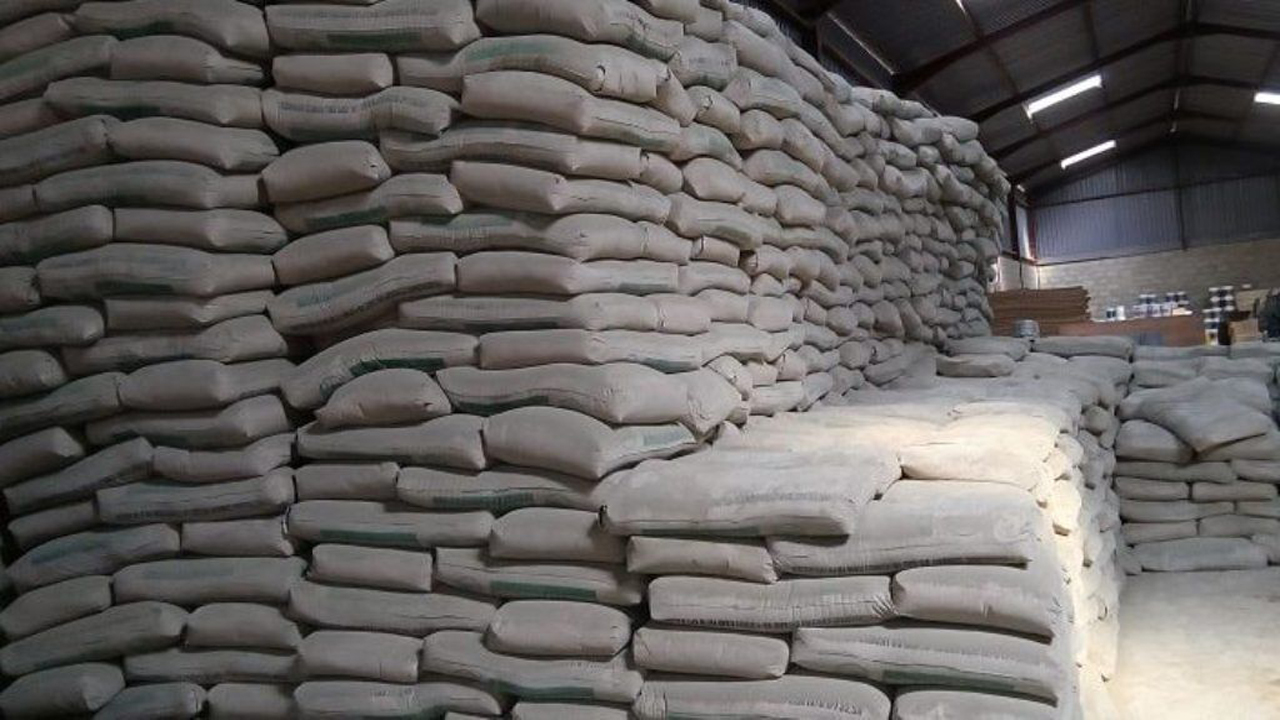 کشف احتکار ۲۷ تن سیمان قاچاق در ساوجبلاغ