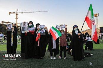 اجتماع بزرگ قمیها در حمایت از جبهه انقلاب