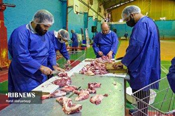 آیین ذبح 110 راس گوسفند قربانی در فردیس کرج