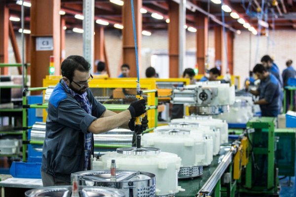 اشتغالزایی صنایع قزوین برای ۱۵۳ هزار و ۳۱۰ نفر