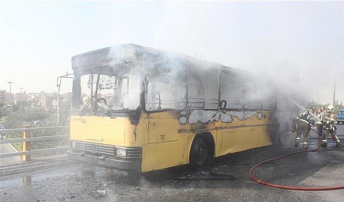 ۲ مصدوم در حادثه آتش سوزی اتوبوس خط واحد