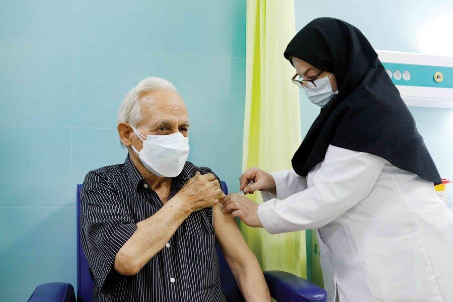 شکستن رکورد واکسیناسیون کرونا در استان قزوین+ فیلم