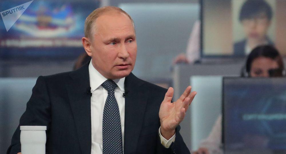 پوتین: تسلط طالبان بر افغانستان را باید بپذیریم