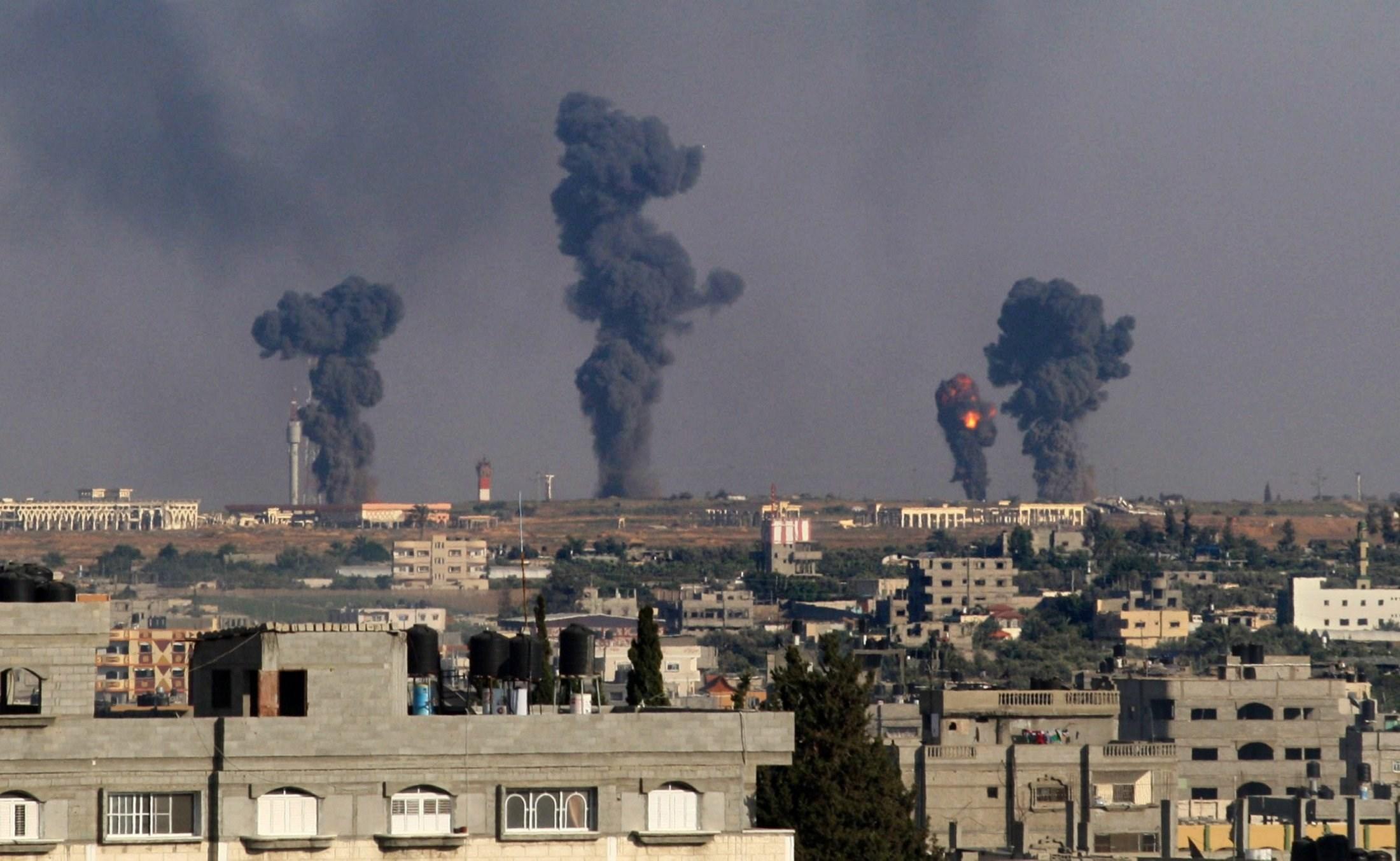 حملات گسترده جنگندههای عربستان به یمن