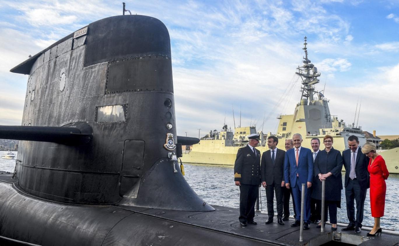 فرانسه: مواضع استرالیا در موضوع زیردریایی بچه گانه است