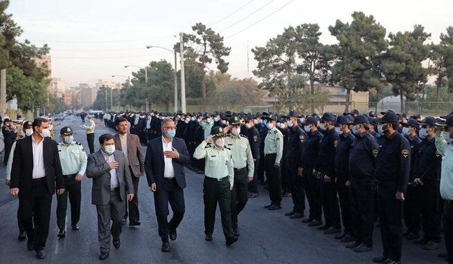 مانور اقتدار یگان حفاظت شهرداری تهران با حضور زاکانی
