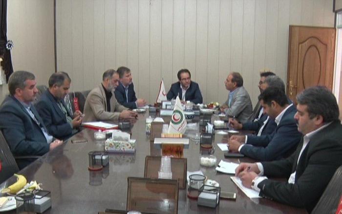 جلسه مدیر عامل جمعیت هلال احمر استان در میبد وآمادگی استان برای کمک به حادثه دیدگان زلزله کرمانشاه