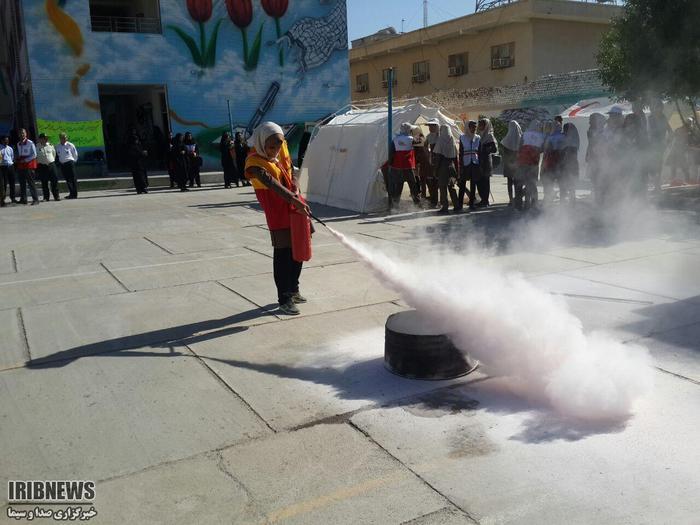 برگزاری مانور سراسری زلزله و ایمنی در مدارس هرمزگان+عکس