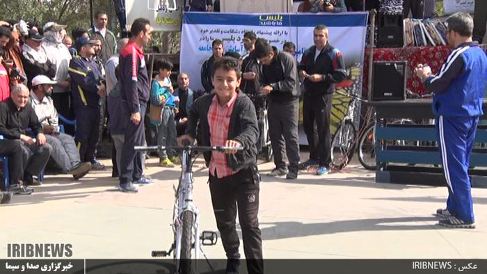 پیاده روی خانوادگی به مناسبت هفته ناجا در اردبیل