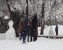 در جشن سالروز 40 سالگی انقلاب شادی و برفبازی همدانیها