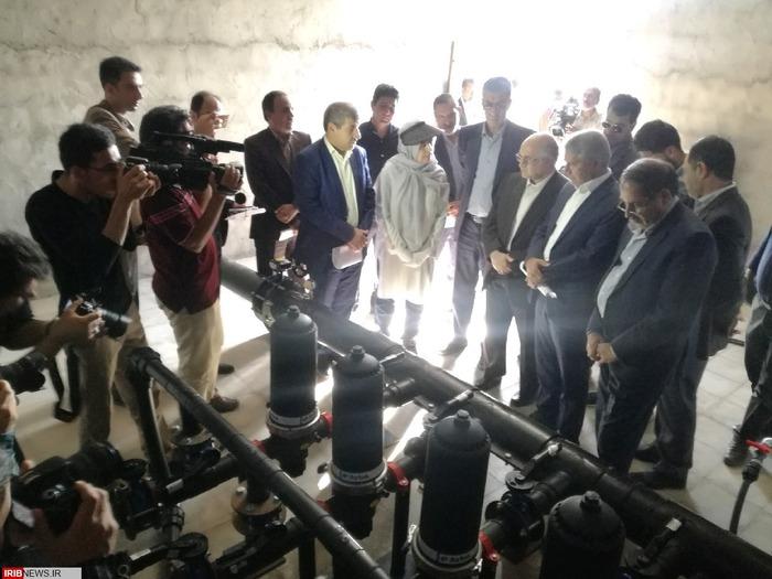 افتتاح طرح آبیاری تحت فشار در مزرعه 83 هکتاری خانم نظری در کبوترخان رفسنجان