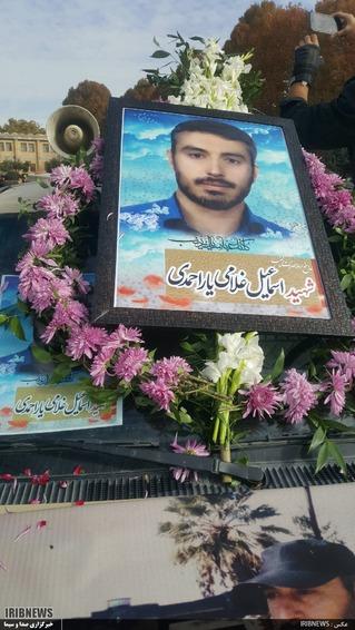 تشییع پیکر شهید مدافع حرم درخرم آباد   عکس: کیومث منصوری